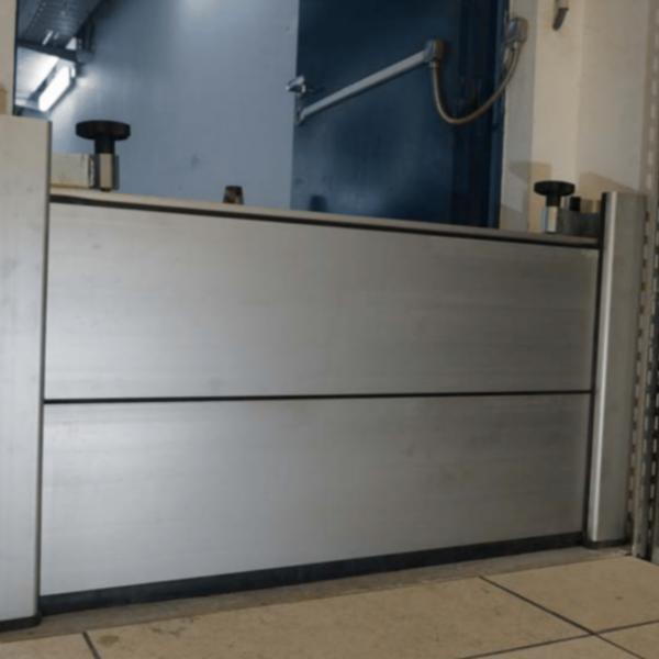 Aluminjasta protipoplavna vrata